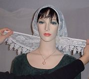Tying Mantilla Veil Headcoverings Instruction #3