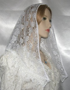 White Floral Lace Mantilla Veil Tichel Head Covering Venise Trim