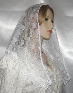 White Floral Lace Mantilla Veil Tichel Head Covering Venise Trim