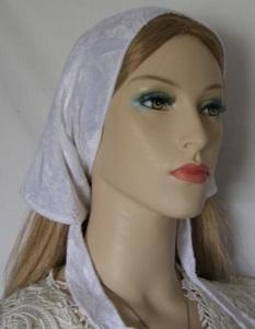Shira White Plush Velvet Mimkhatah