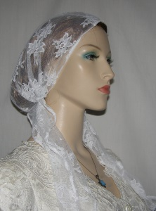 White Lace Pre Tied Snood