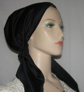 Black Poly Pre Tied Snood