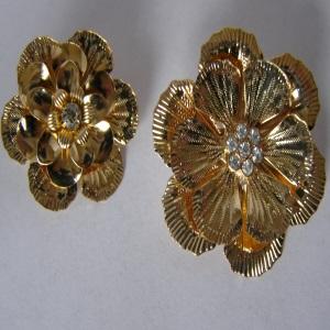 Bright Gold Rhinestone Flower Tichel Pin