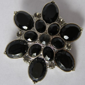 Silver Black Beaded Tichel Pin