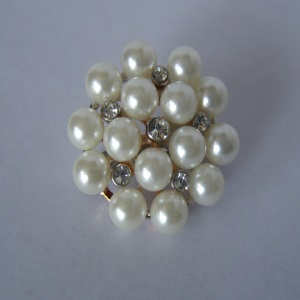 White Pearl Beaded Tichel Pin