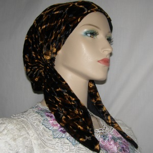 Black Ginger Design Velvet Pre-Tied Snood