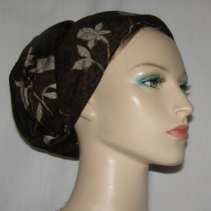 Brown Creme Floral Design Mitpachat Tiechel Scarf Headcoverings