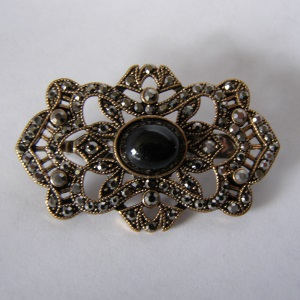 Victorian Style Black Beaded Tichel Pin